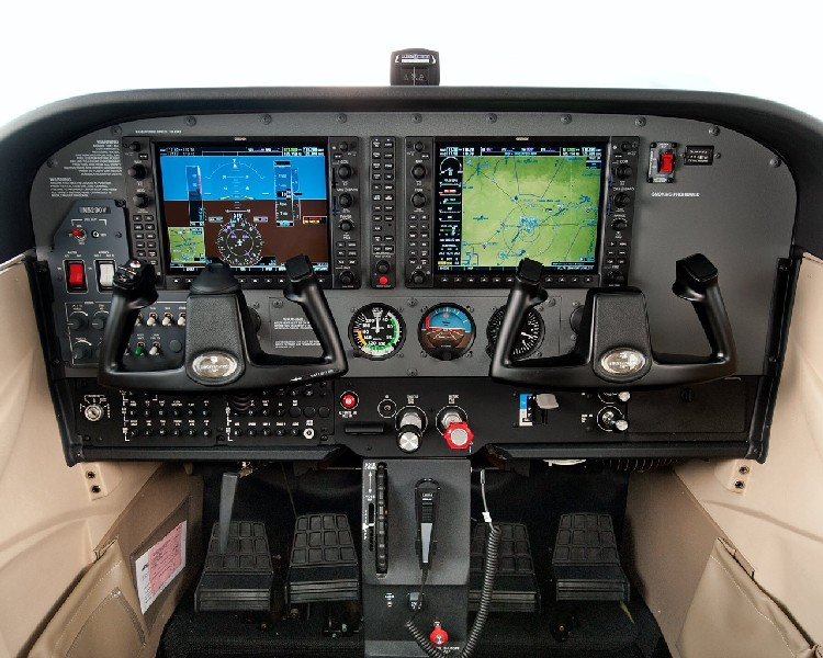 Cessna 172s  G1000 Glass Panel